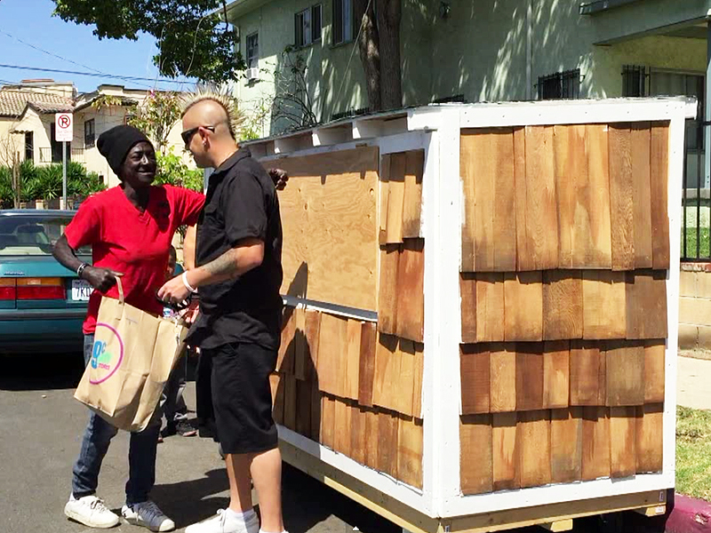 Elvis Summers Builds Tiny House for Homeless Neighbor in Los Angeles