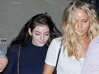 Jennifer Lawrence and Lorde Enjoy a Girls' Night Out in NYC (PHOTO)