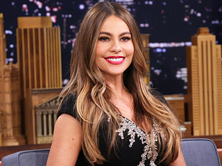 Watch Sofia Vergara Give Wacky Clues as She Plays Catchphrase with Jimmy Fallon