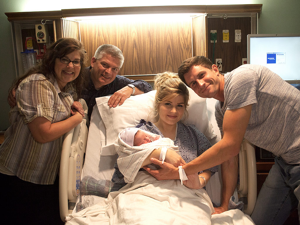 Bringing Up Bates: Erin Paine Welcomes First Child