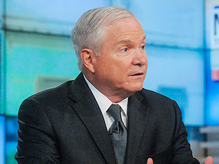 Boy Scouts President Robert Gates Calls for End of Ban on Gay Troop Leaders