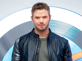 Kellan Lutz Does Crazy Workout Hanging Off a Cliff, Warns 'Don't Try This at Home'