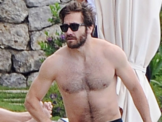 A Ripped Jake Gyllenhaal Vacations in Italy with Longtime Best Friend Greta Caruso