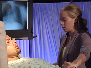 WATCH: Kendra Confronts Hank's Imminent Death on Marriage Boot Camp