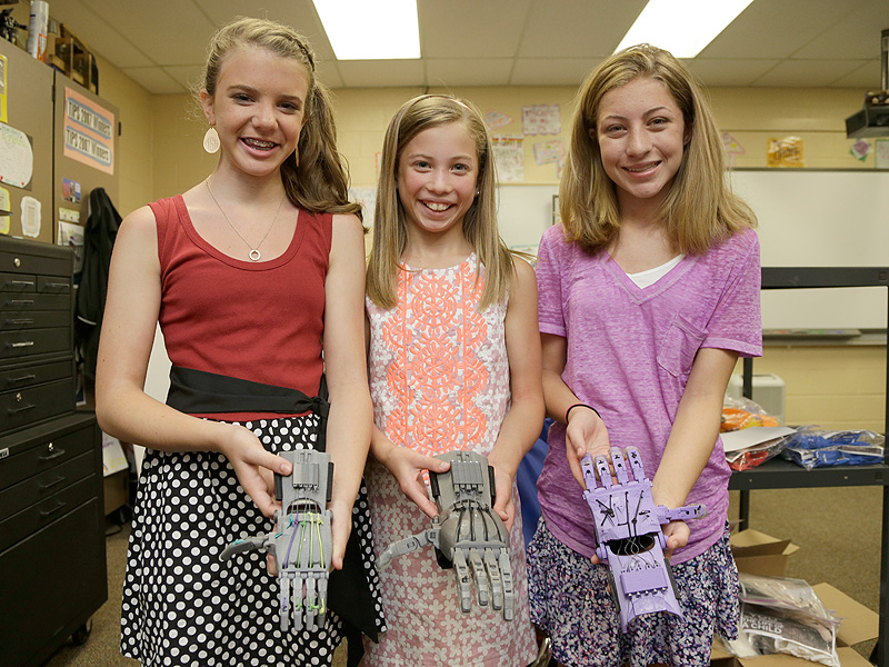 Sixth Graders 3D Print Prosthetic Hands for Kids