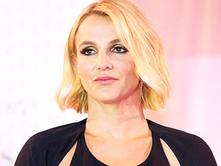 PHOTO: Britney Spears Does a Perfect Handstand: 'The World Looks Better Upside Down'