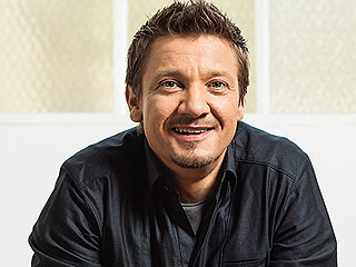 Jeremy Renner: 'I Don't Care' If People Think I'm Gay