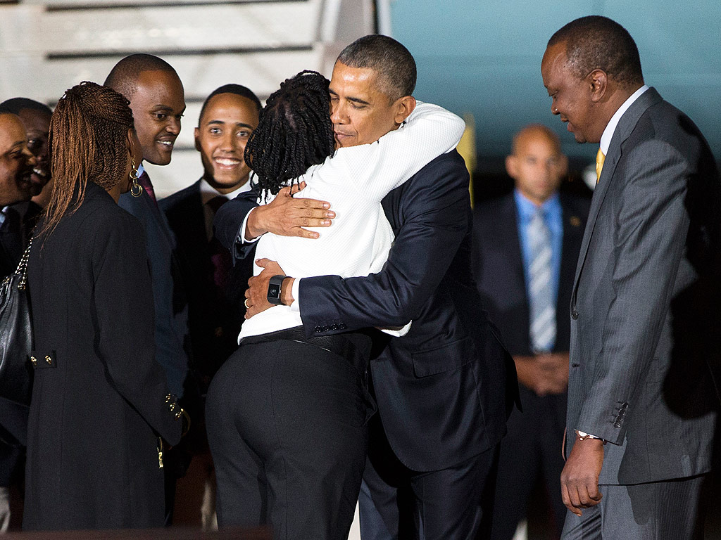 President Obama Has Emotional Reunion with His Sister in Kenya