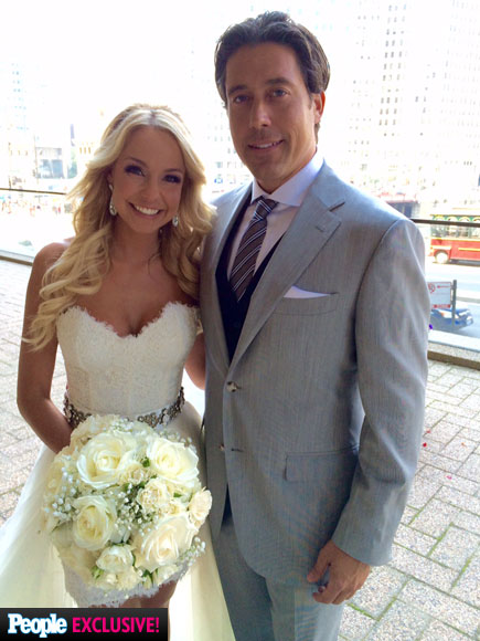 Ed Swiderski Hands Out a Final Rose to His New Chicago Bride