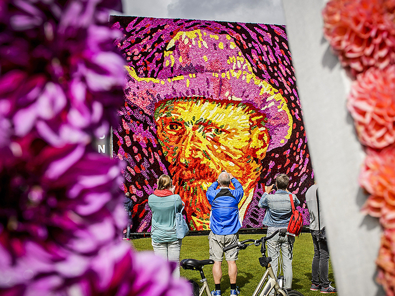 Van Gogh Remembered With Portrait Made from 50,000 Flowers