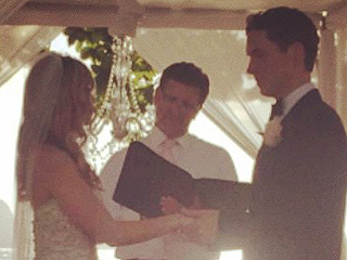Don't Tell the B's Dreama Walker Weds in Hawaii – See the Pics!
