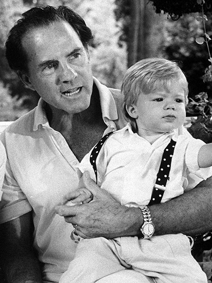 Frank Gifford's Son Cody Remembers Legendary Sportscaster on Twitter