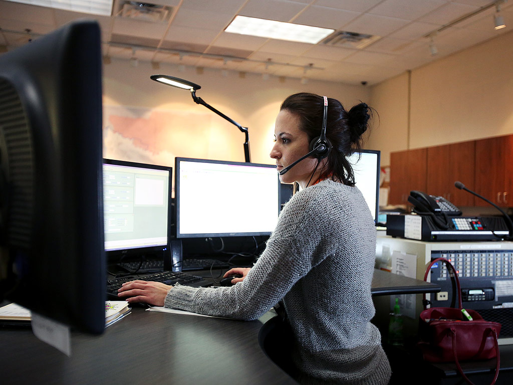 Indiana 911 Dispatcher Disciplined After Failing to Help Man Who Fainted