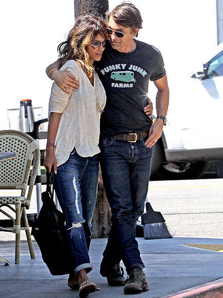 Halle Berry and Olivier Martinez Grab Breakfast in L.A.
