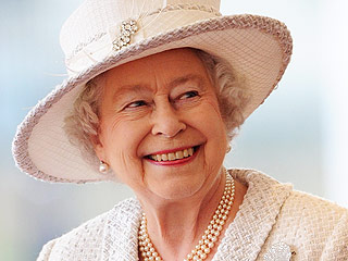 The Queen's Cornflakes! Peek Inside the Daily Life of Queen Elizabeth