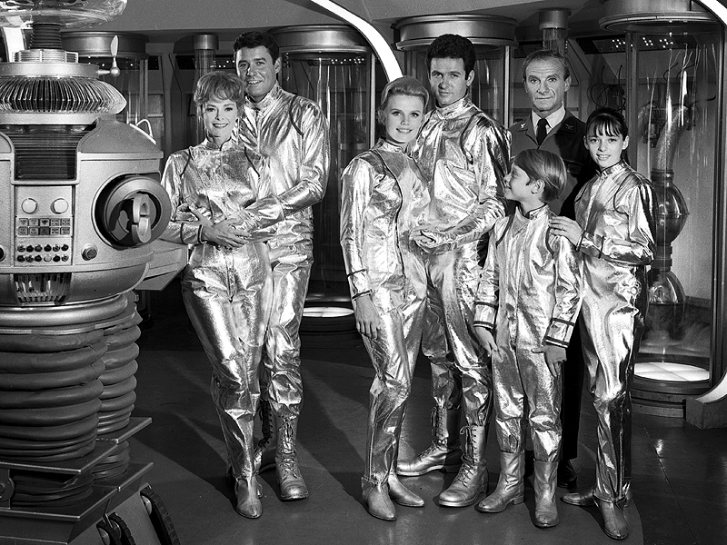 Lost In Space 50th Anniversary See The Cast Reunite