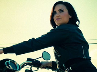 VIDEO: Demi Lovato Is an Uncontrollable Badass in 'Confident' – Watch Now!