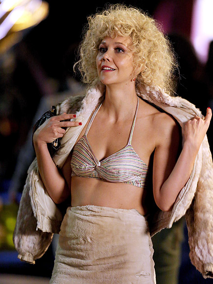 Maggie Gyllenhaal Is Unrecognizable Playing a Blonde Prostitute While ...