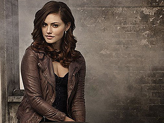 'The Originals' Phoebe Tonkin Talks Hayley-Jackson-Elijah Love Triangle, Possible TVD Crossover' from the web at 'http://img2-2.timeinc.net/people/i/2015/news/151123/phoebe-tonkin-320.jpg'