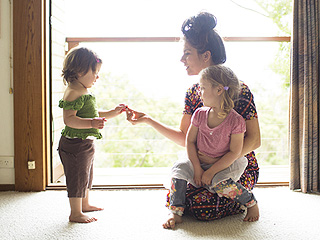 Toddlers Learn Body Shaming from Their Mothers, New Study Says