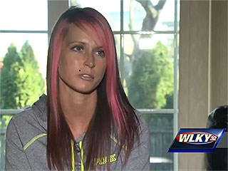 Kentucky Woman Contracts an Infection, Undergoes Emergency Surgery – Likely Due to the Glitter Hair Tie She Wore on Her Wrist