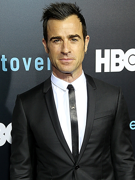 Justin Theroux Poses With Selfie Stick as Ben Stiller Gives Blue Steel Pose