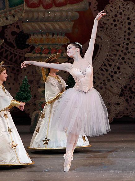 ballerinas dancing nutcracker - photo #5