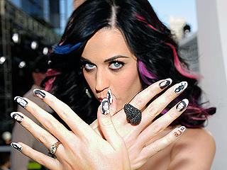 This is How Katy Perry Nails the MTV VMA Mani Game