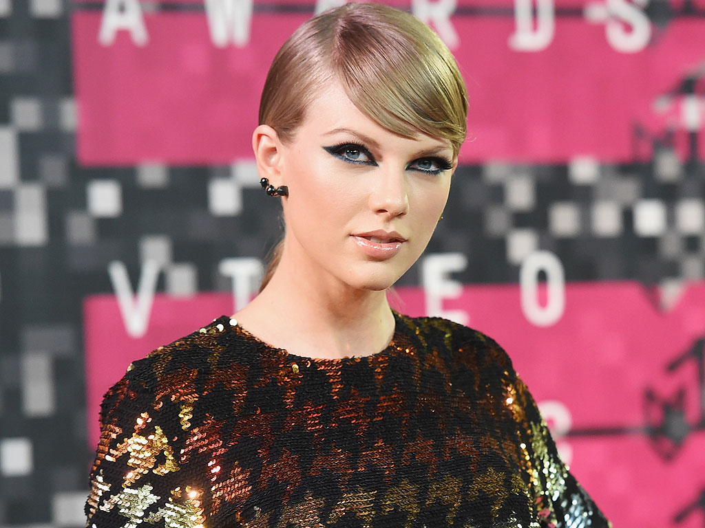 Taylor Swift Most-Followed Instagram, Beats Kim Kardashian West