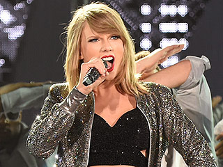 Taylor Swift Kicks Off World Tour in a Light-Up Crop Top: See  It in Action (VIDEO)