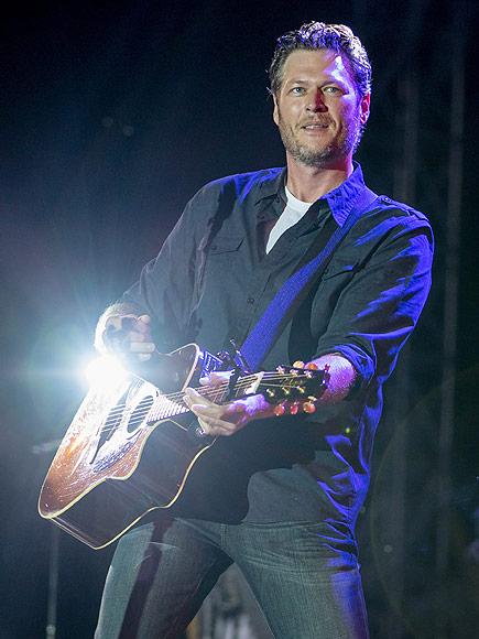 Blake Shelton Performs First Concert Since Miranda Lambert Divorce