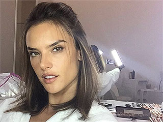 Alessandra Ambrósio's Flawless Selfie Secret: A Handheld Light (Seriously)