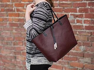 This Tote Does Something No Other Tote Does