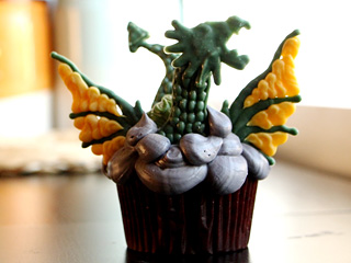 Calling All Game of Thrones 's Addicts! Daenerys's Dragon Cupcakes Have Arrived