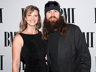 VIDEO: Missy and Jase Robertson Give Advice to Jill and Jessa Duggar as They Return to TV