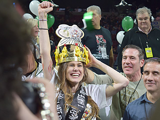 Vomit, Dennis Rodman and Boobs: What It's Like Inside the Philadelphia Wing Bowl