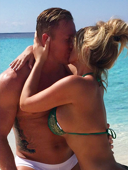 Kim Zolciak and Husband Kroy Biermann Get Handsy On Beach Vacay