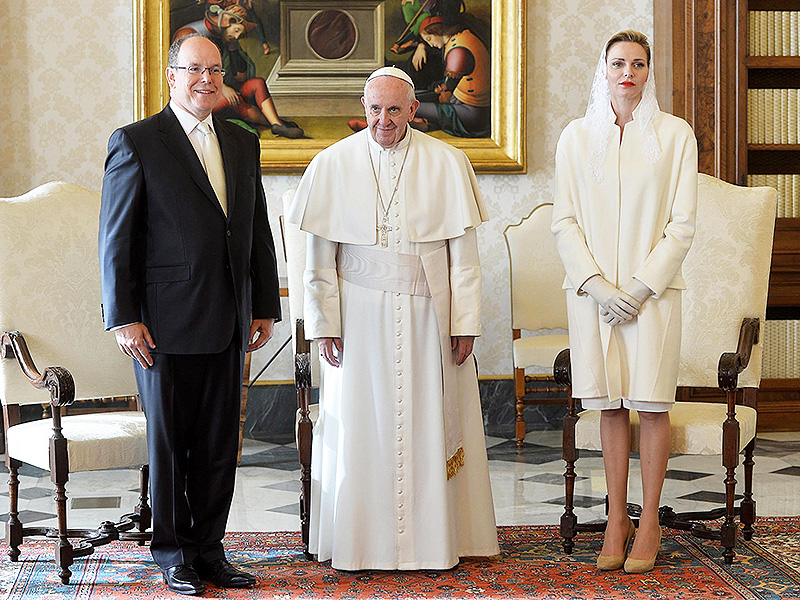 Princess Charlene Wears All White to Meet Pope Francis