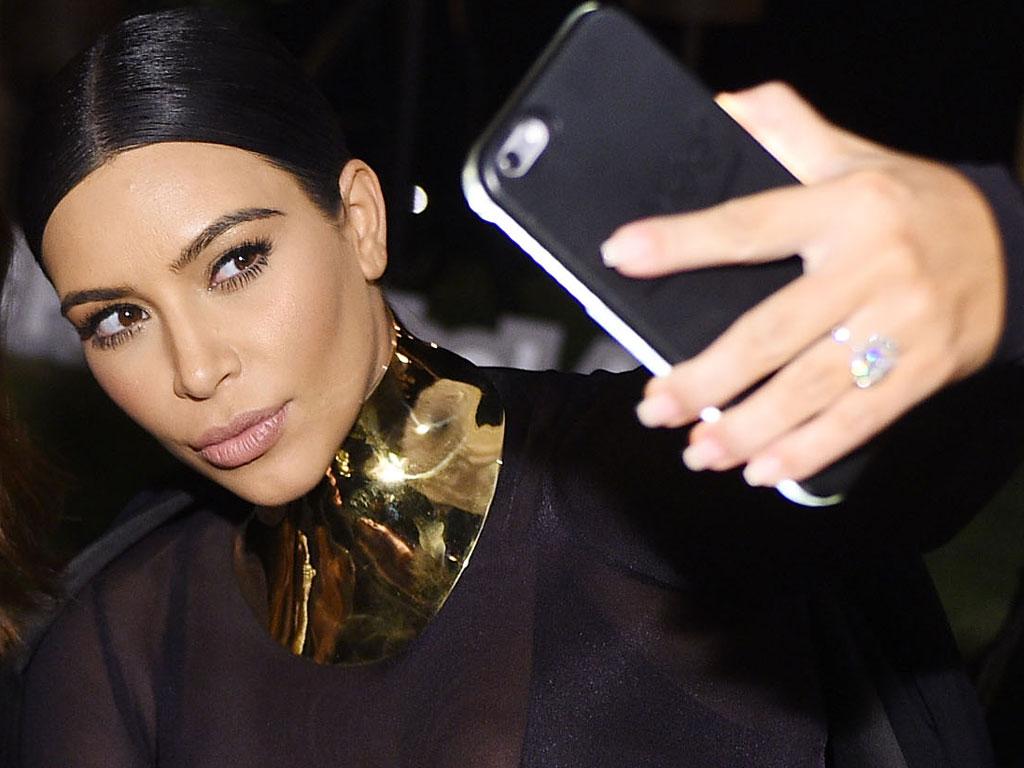Kim kardashian selfie think