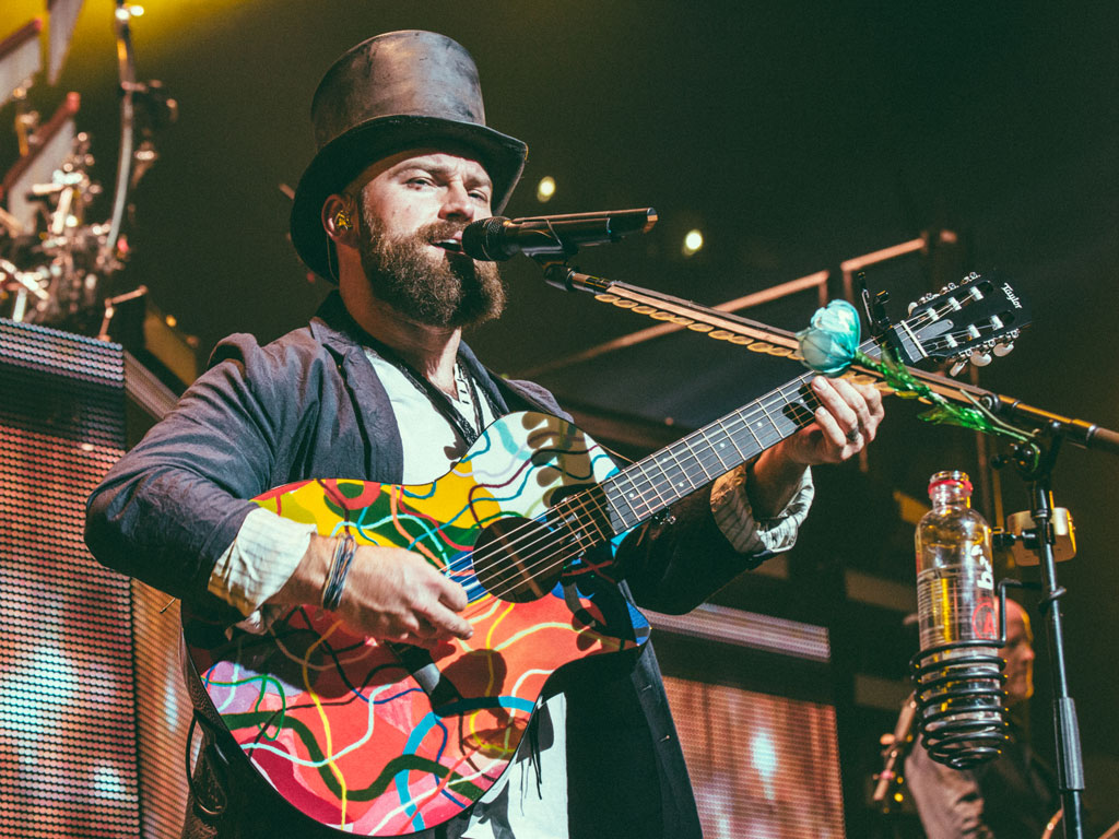 zac brown band auctions off guitars for camp southern ground. Black Bedroom Furniture Sets. Home Design Ideas