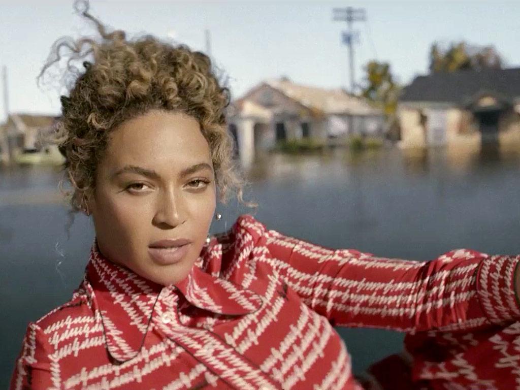 13 Intense Celebrity Fandoms