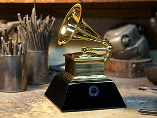 Grammy Awards Debut 'GrammyCam' in Statuette to Show Award Winners' Point of View