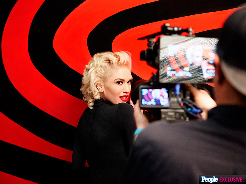 Gwen Stefani to Create 'Make Me Like You' Music Video Live During Grammy Awards Commercial Break