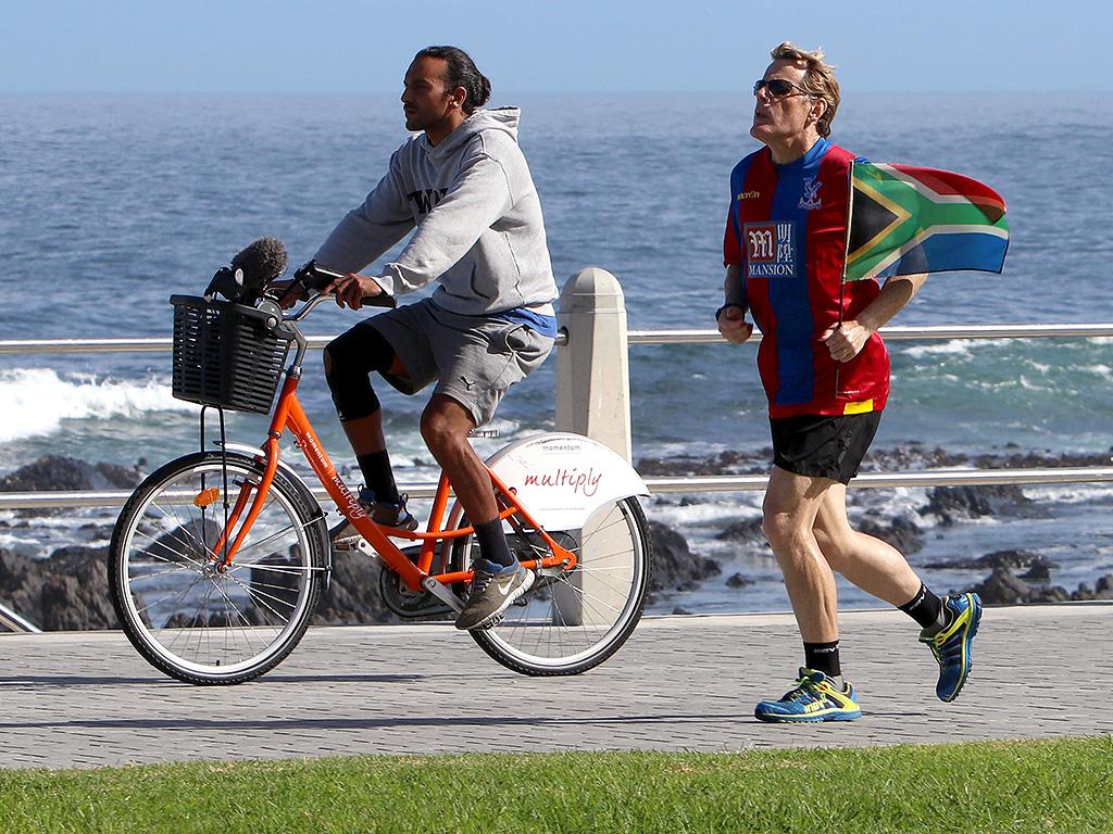 Eddie Izzard Ran 27 Marathons in 27 Days, for 2016 Sport Relief