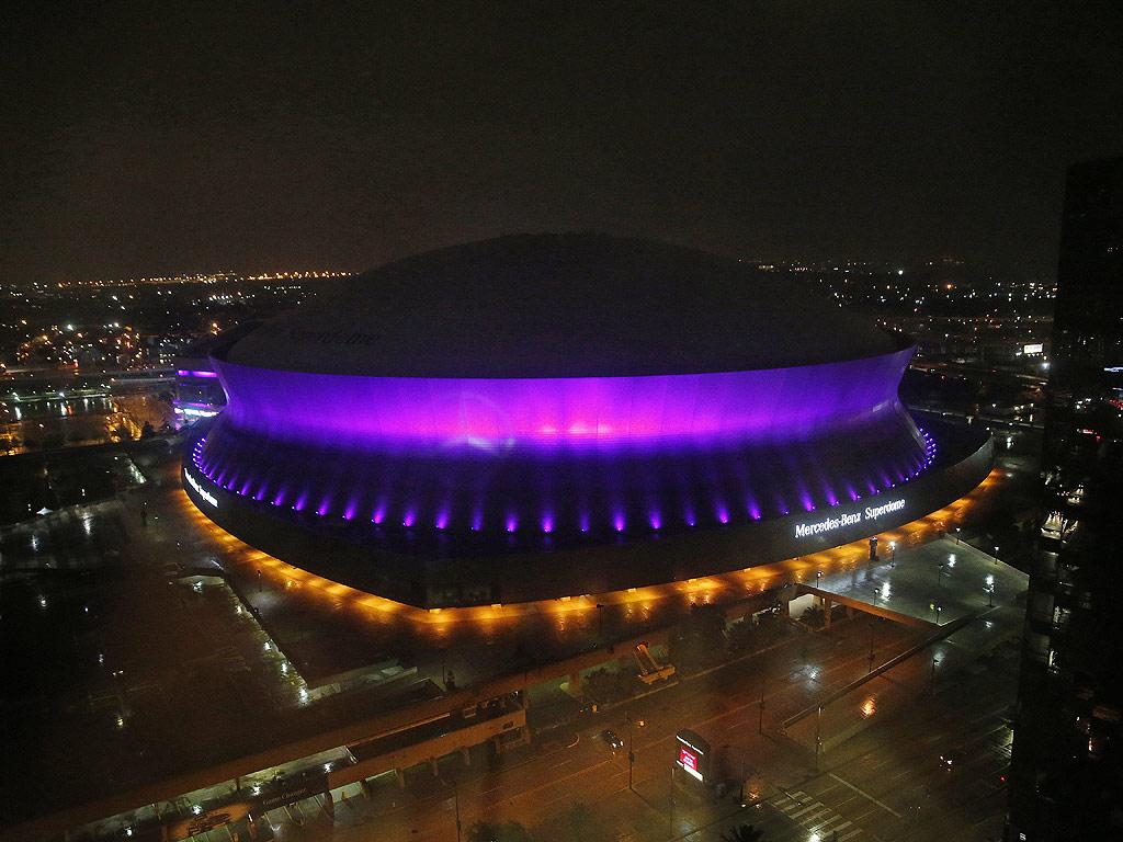 Prince Dead: Purple Rain: Eiffel Tower, New Orleans Superdome Light Up