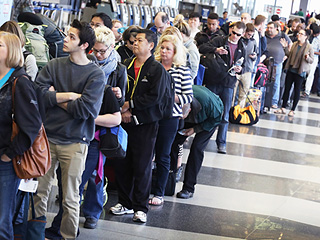 How to Make Sure Your Memorial Day Travel Plans Go Smoothly: 9 Tips to Defeating TSA Lines and Holiday Traffic