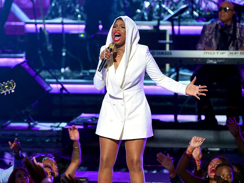 BET Awards 2016: Prince Tribute Features Jennifer Hudson, Stevie Wonder