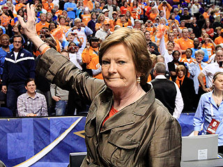 How Legendary Basketball Coach Pat Summitt Changed Women's College Sports