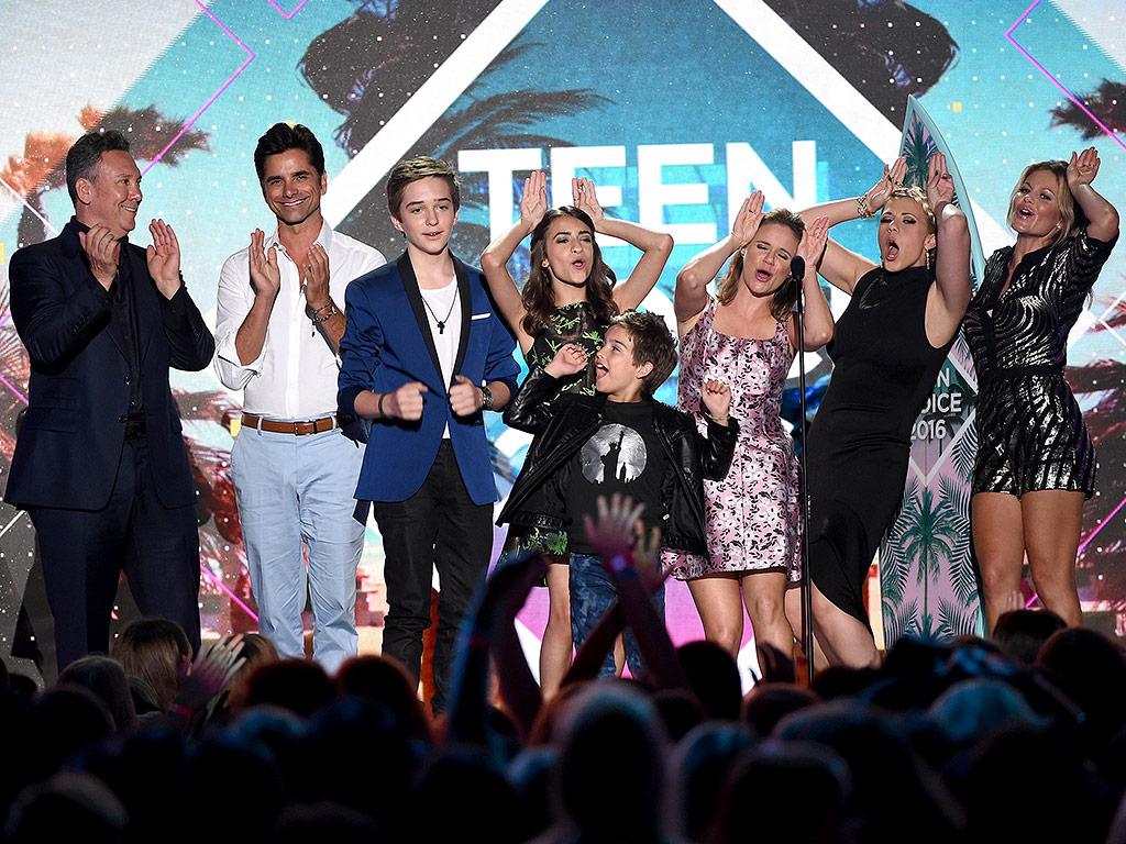 Teen Choice Awards: Fuller House Wins Choice Comedy TV ... Carey Mulligan Dementia