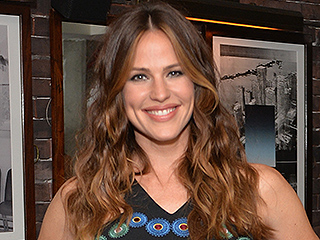 Jennifer Garner Is 'Kind of Panicked' About Daughter Violet Having a Laptop: She's Not on Social Media 'But I Know It's Coming'